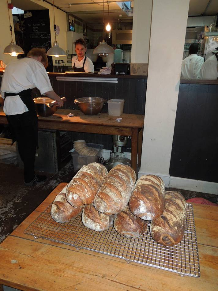 nice set of Ashby loaves for Toast E.D. from the Old Post Office Bakery - 9:15am&nbsp;15<sup>th</sup>&nbsp;Nov.&nbsp;'13