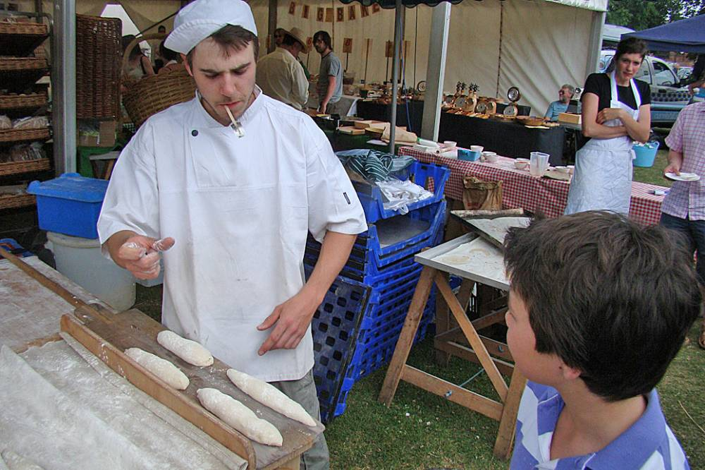 Melton 27/6/10 Vincent Talleu teaches baguette shaping!
