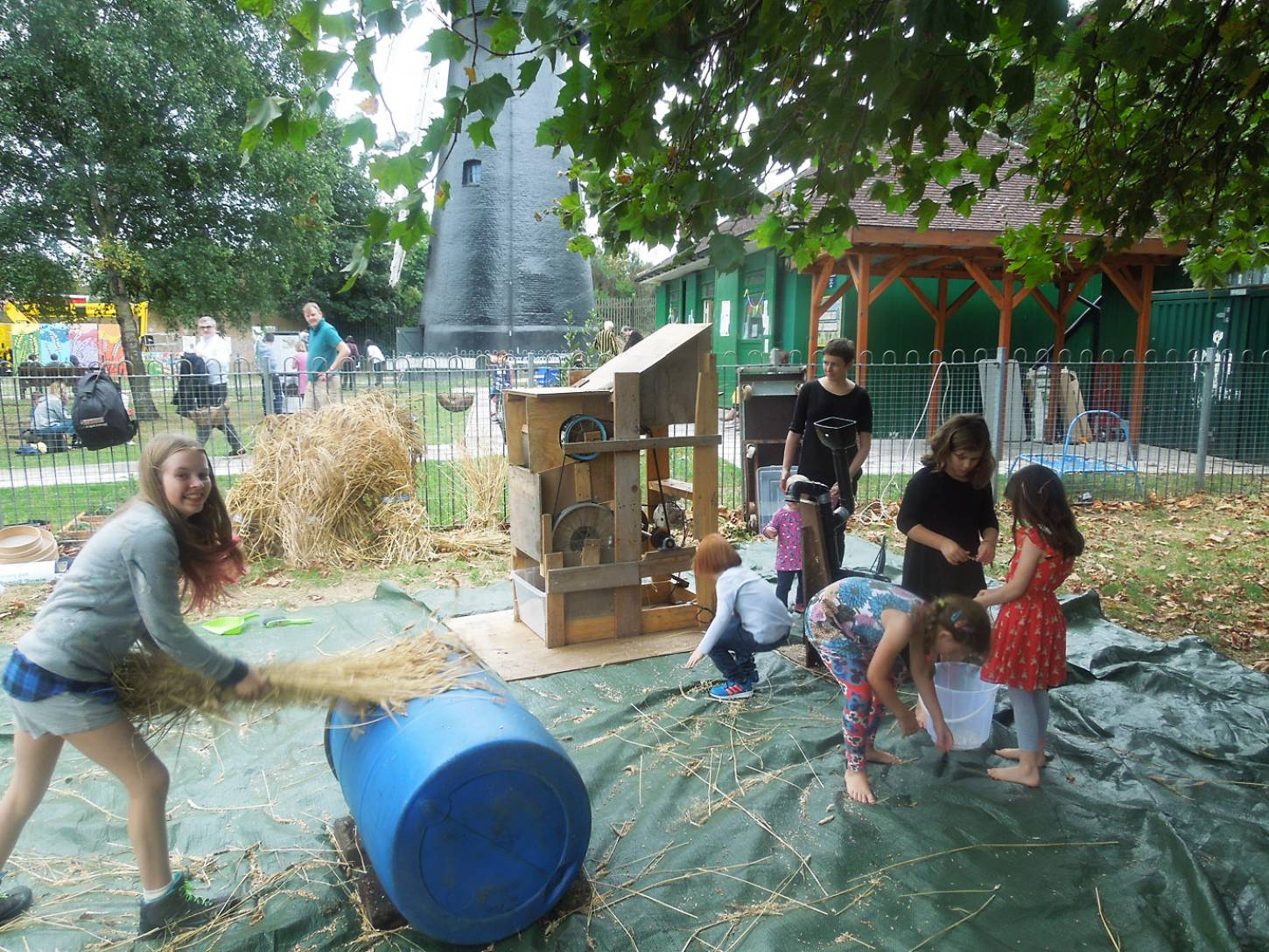 Brixton Windmill Harvest Day, threshing, winnowing and milling our Ruskin Park wheat - 3:07pm&nbsp;18<sup>th</sup>&nbsp;Sep.&nbsp;'16
