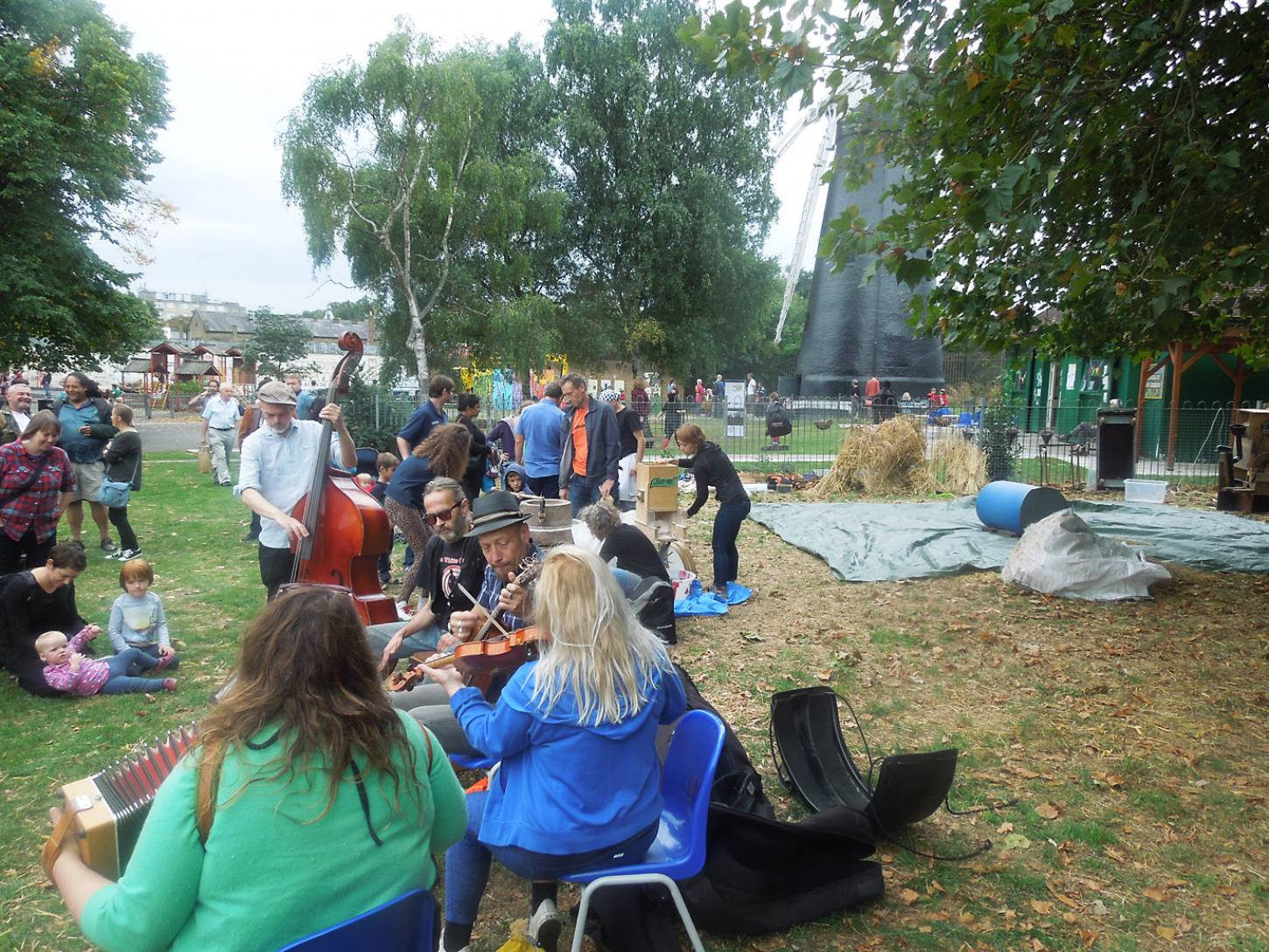Brixton Windmill Harvest Day, threshing, winnowing and milling our Ruskin Park wheat - 3:42pm&nbsp;18<sup>th</sup>&nbsp;Sep.&nbsp;'16
