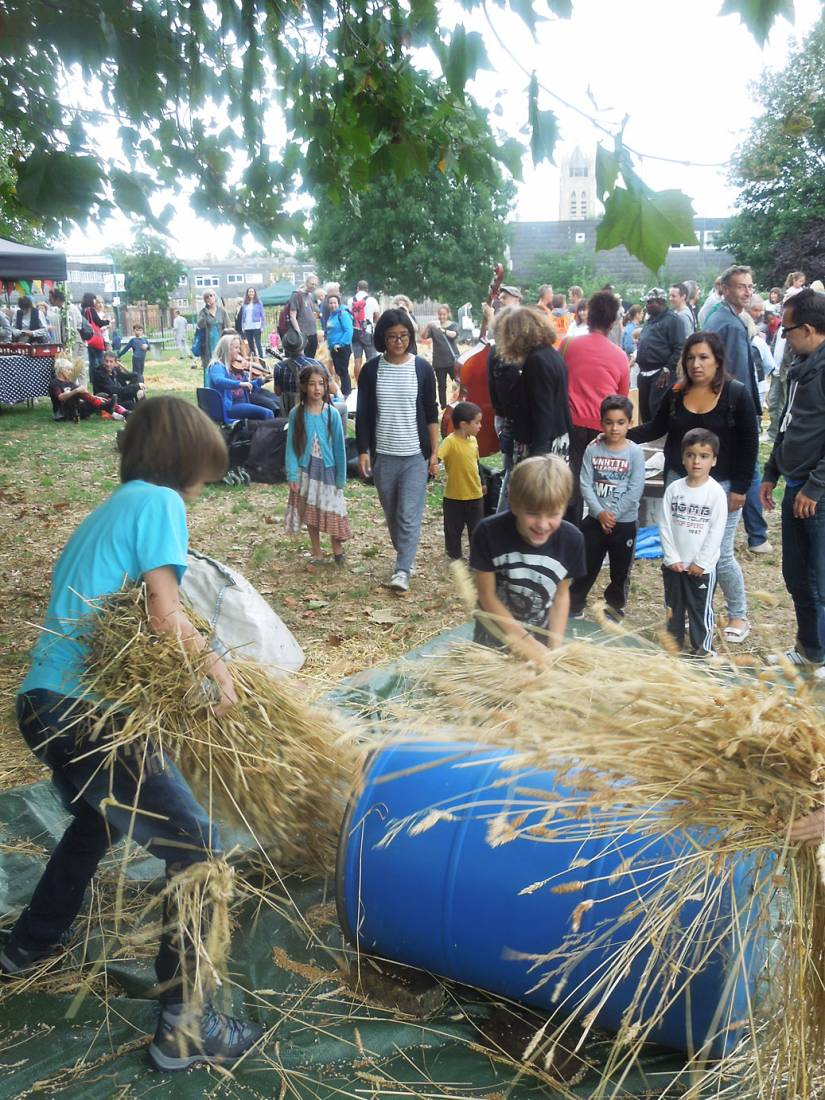 Brixton Windmill Harvest Day, threshing, winnowing and milling our Ruskin Park wheat - 3:52pm&nbsp;18<sup>th</sup>&nbsp;Sep.&nbsp;'16