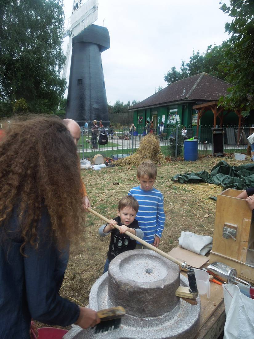 Brixton Windmill Harvest Day, threshing, winnowing and milling our Ruskin Park wheat - 5:09pm&nbsp;18<sup>th</sup>&nbsp;Sep.&nbsp;'16