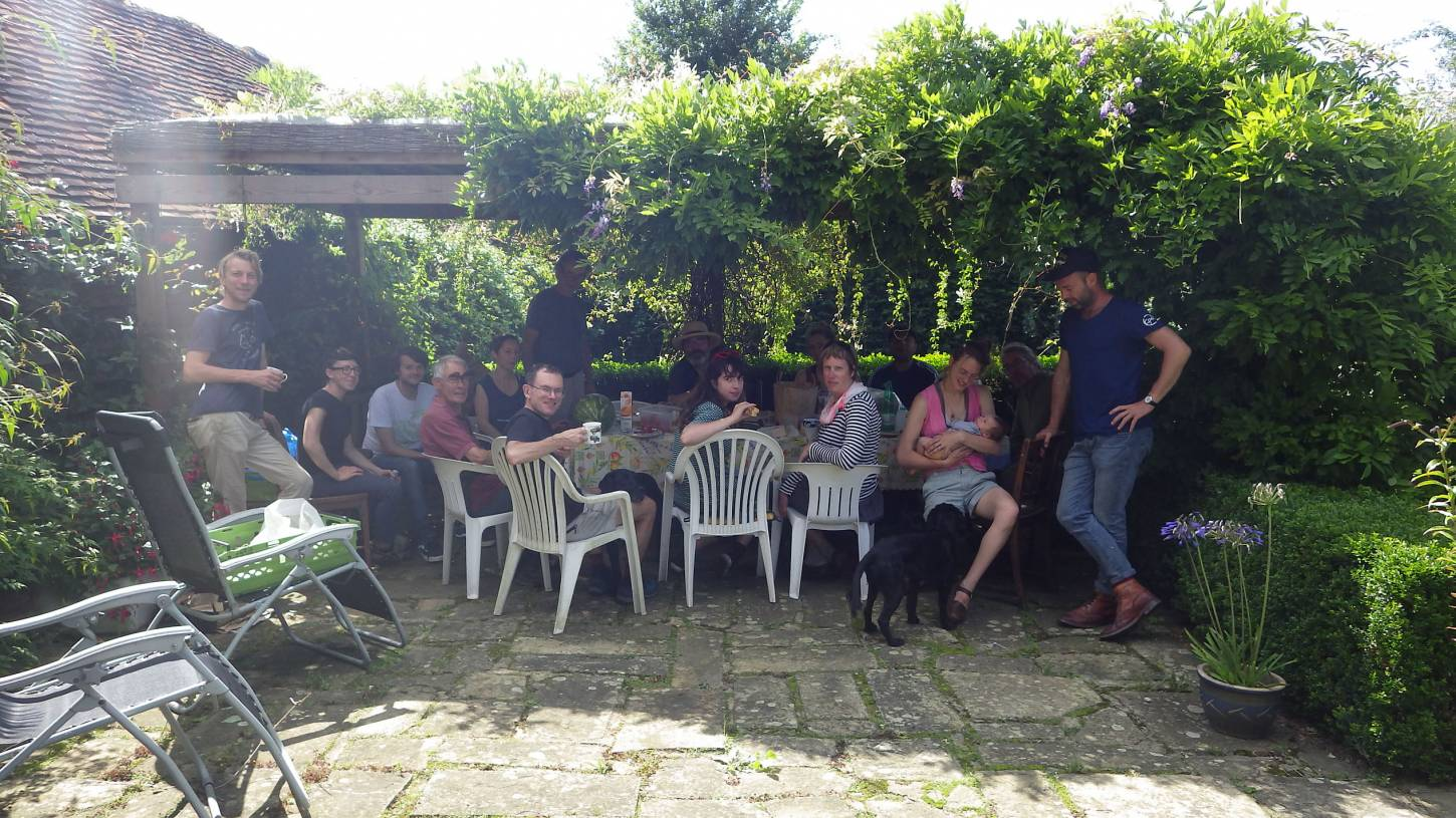 harvest lunch, our manual harvest at Lodge Farm, pics = <a href='http://thecrowsrestbakehouse.co.uk/about/the-baker/' target='_blank'>Alex Vaughan</a> - 1:59pm&nbsp;13<sup>th</sup>&nbsp;Aug.&nbsp;'17