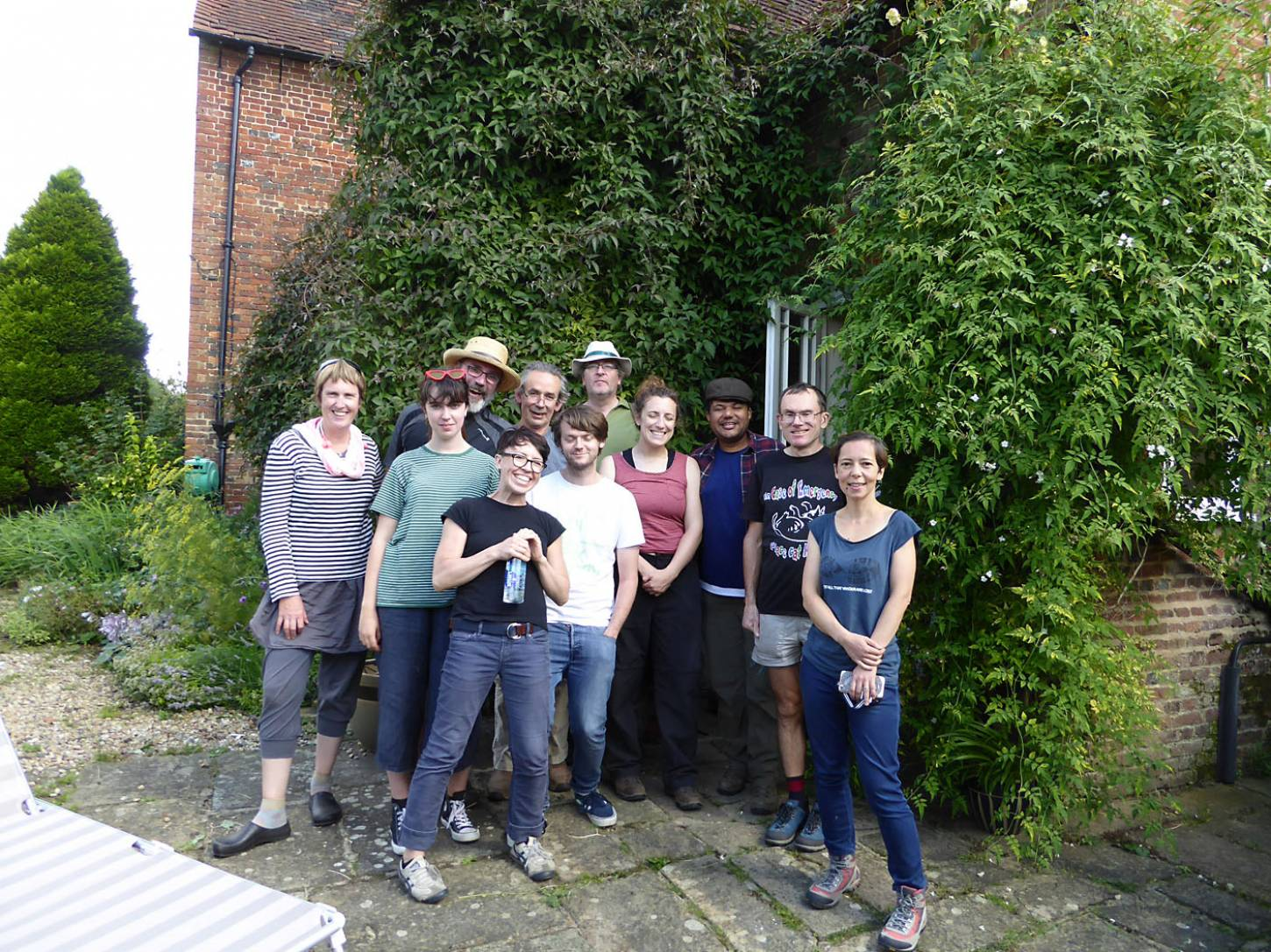 most but not all of harvest team, our manual harvest at Lodge Farm - 3:28pm&nbsp;13<sup>th</sup>&nbsp;Aug.&nbsp;'17  <a href='http://maps.google.com/?t=h&q=51.205939,-0.084247&z=18&output=embed' target=_blank><img src='http://www.brockwell-bake.org.uk/img/marker.png' style='border:none;vertical-align:top' height=16px></a>