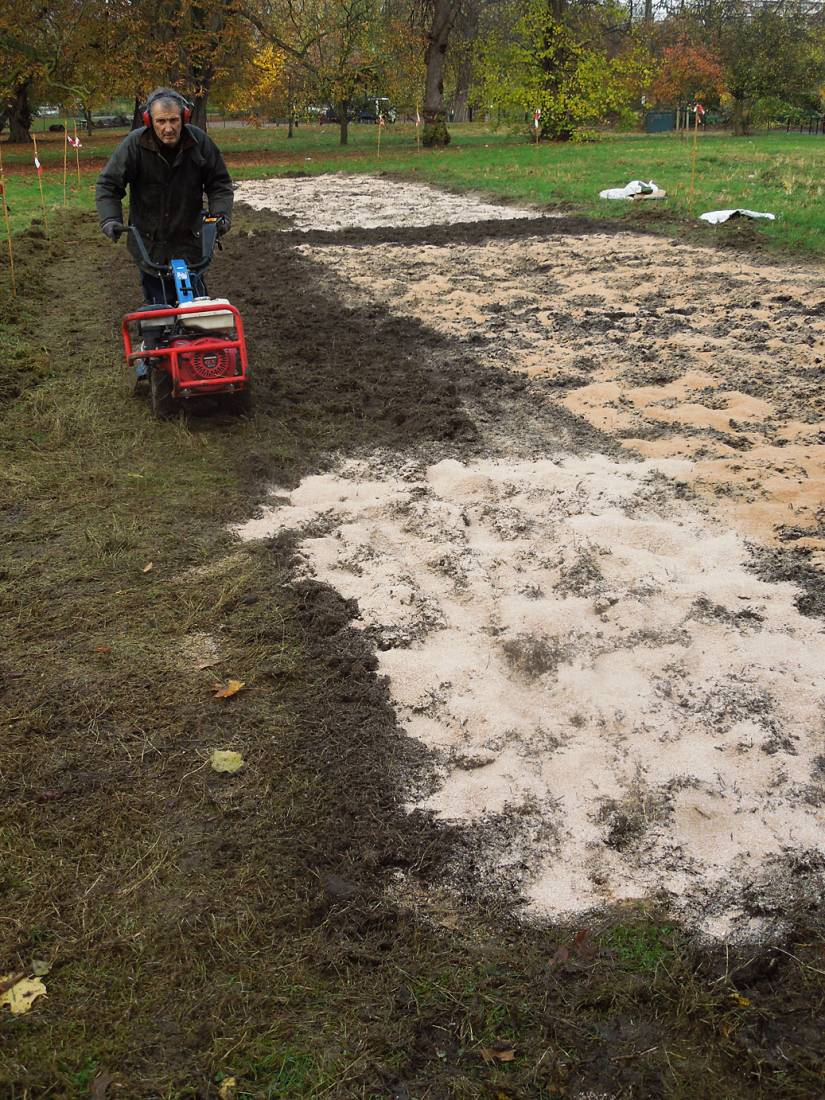 preparing ground for Ruskin Park season 2016/17 - 1:43pm&nbsp;14<sup>th</sup>&nbsp;Nov.&nbsp;'16