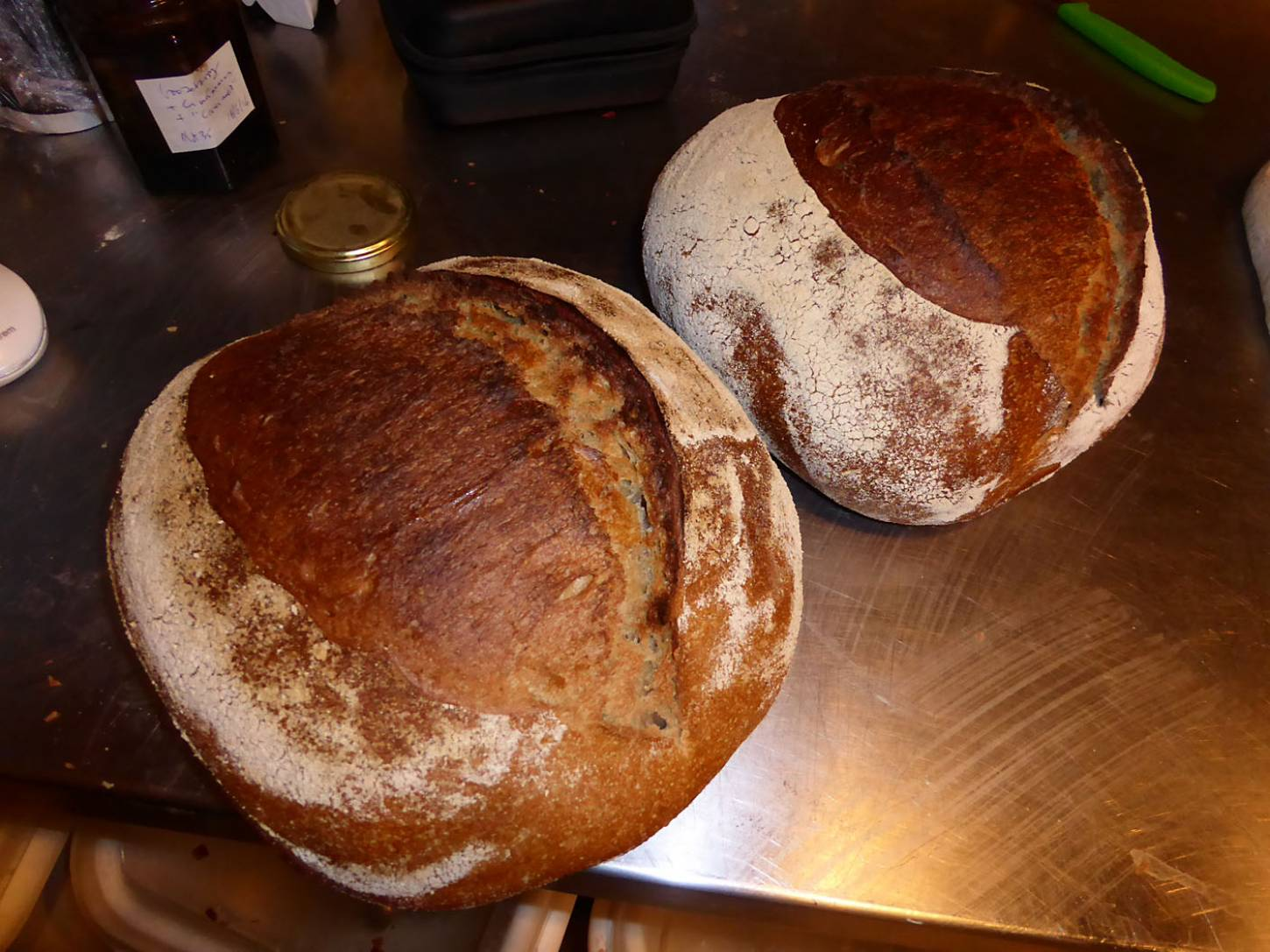 first baking test for the Miller's Choice - 1:14pm&nbsp;23<sup>rd</sup>&nbsp;Nov.&nbsp;'17  <a href='http://maps.google.com/?t=h&q=51.480681,-0.108133&z=18&output=embed' target=_blank><img src='http://www.brockwell-bake.org.uk/img/marker.png' style='border:none;vertical-align:top' height=16px></a>