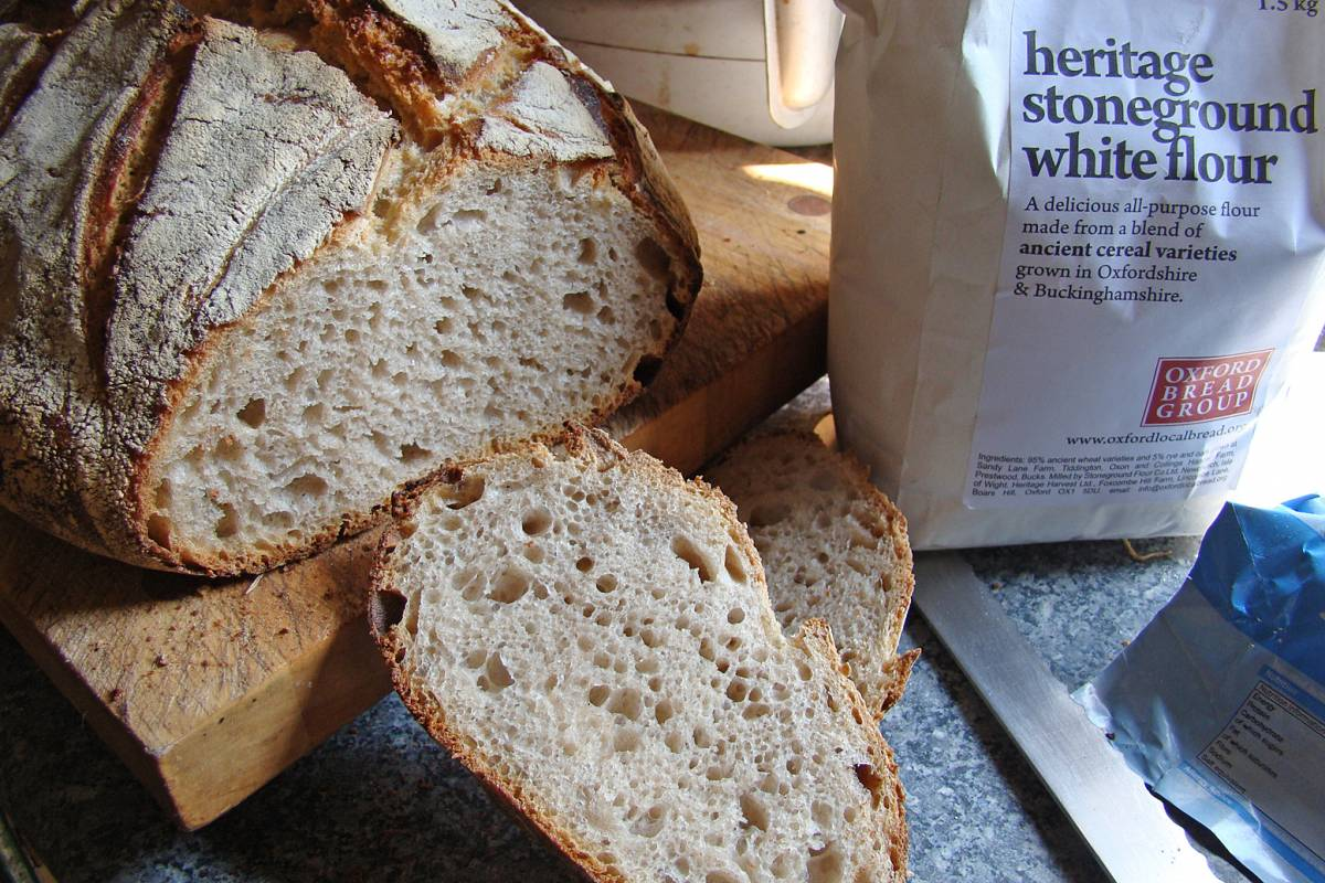 Oxford Bread Group Heritage white flour baking test - also first truly well baked loaf in the BBA mobile oven - 25/4/11