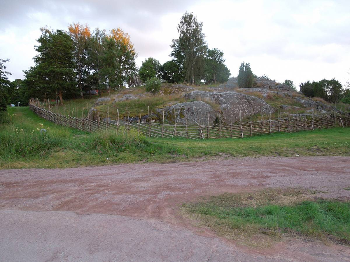 BBA > Nordic > <a href=http://en.wikipedia.org/wiki/Kastelholm_Castle target=_blank>Kastelholm Castle</a> > traditional fencing - 7:40pm&nbsp;15<sup>th</sup>&nbsp;Jul.&nbsp;'14