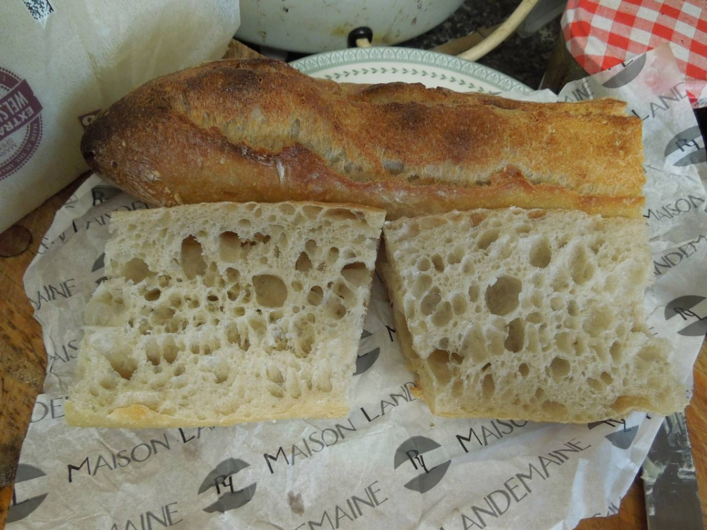 bakers and baguettes of Paris <a href='https://www.google.co.uk/webhp?sourceid=chrome-instant&rlz=1C1CHMG_en-GBGB291&ion=1&espv=2&es_th=1&ie=UTF-8#safe=off&q=Maison+Landemaine+Jules+Joffrin+Paris,+France&stick=H4sIAAAAAAAAAGOovnz8BQMDQwcHm5SIoaGhsbmRgaWZoamxhYGxoYGZobESVlEvwdzEzOL8PIWcxLyUVCA7LzWItSCxKLM4ShxDRgEscYhRxaDCxDzVzCzVMM3ALNUoydwgzQooZJBkYZRsbGZhkWxpYmaQ7_BX53DOWr_bG3bUPv-ZrPZgpv8MANNiTBGlAAAA&rlst=n' target=_blank>Maison Landemaine, Jules Joffrin</a>, quite nice rustic version - 2:08pm&nbsp;4<sup>th</sup>&nbsp;Jun.&nbsp;'15