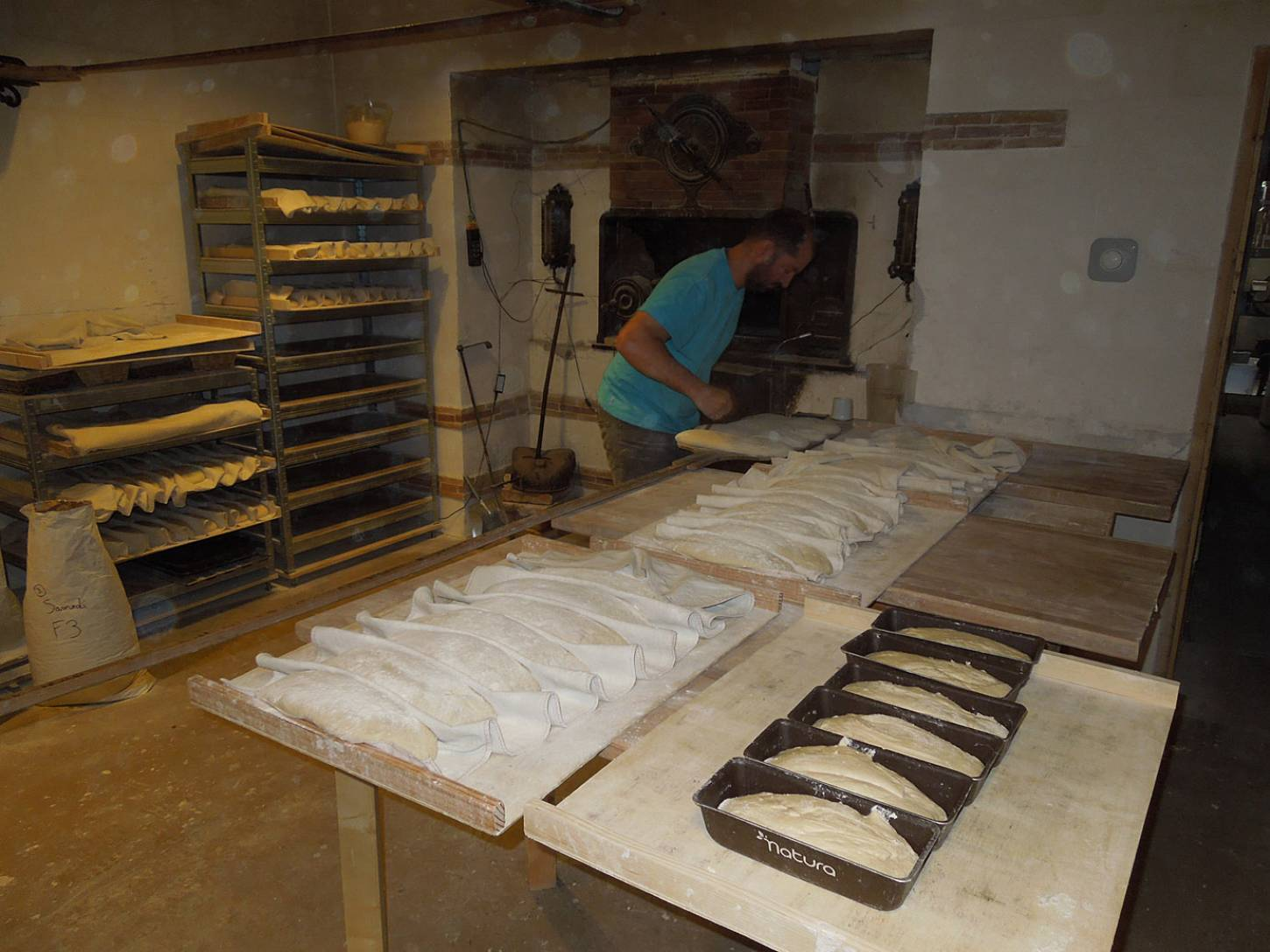visit to the boulangers paysan of <a href='https://www.facebook.com/Ferme.Campagnolle' target=_blank>Ferme Campognole</a> - loading oven - 8:26am&nbsp;29<sup>th</sup>&nbsp;May.&nbsp;'15