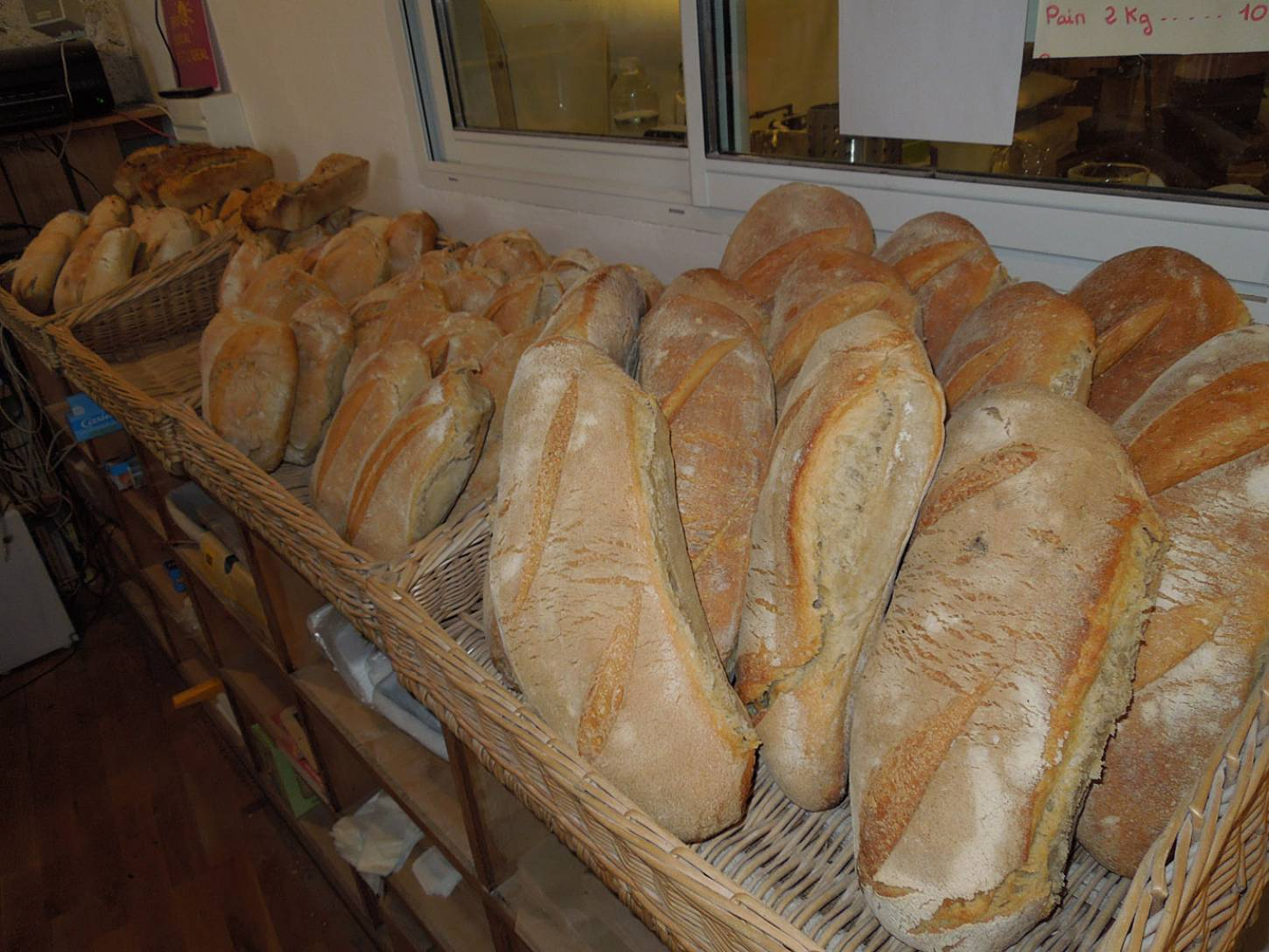 visit to the boulangers paysan of <a href='https://www.facebook.com/Ferme.Campagnolle' target=_blank>Ferme Campognole</a> the day's bread - 10:25am&nbsp;29<sup>th</sup>&nbsp;May.&nbsp;'15