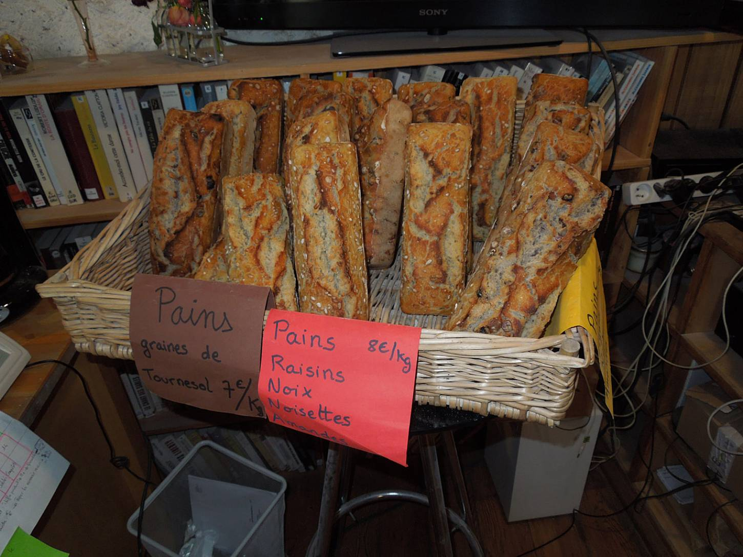 visit to the boulangers paysan of <a href='https://www.facebook.com/Ferme.Campagnolle' target=_blank>Ferme Campognole</a> - the day's bread - 10:25am&nbsp;29<sup>th</sup>&nbsp;May.&nbsp;'15