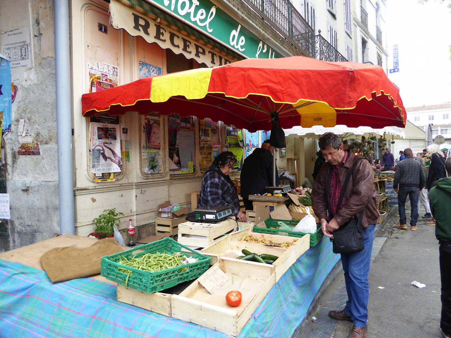 St. Girons market, France, May '17 - 11:56am&nbsp;20<sup>th</sup>&nbsp;May.&nbsp;'17