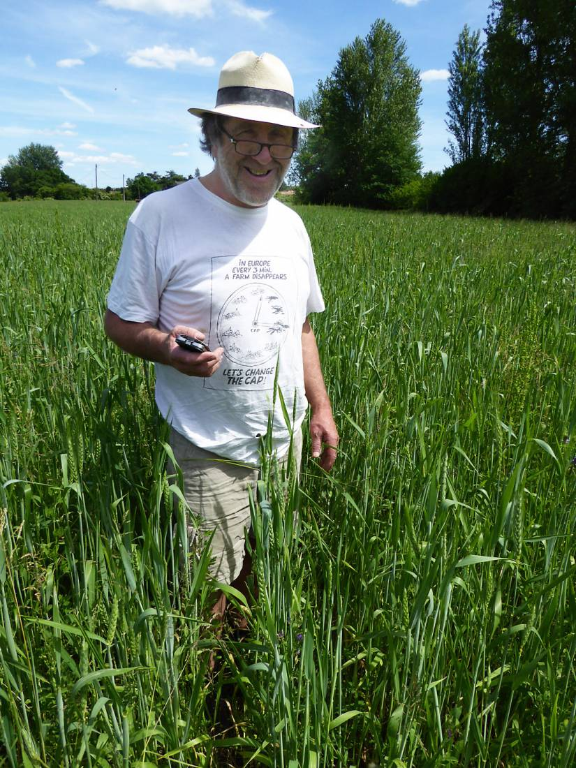 visiting heritage wheat farmer <a href='https://www.facebook.com/paysanbio.semencespaysannes' target='_blank'>Phillipe Guichard</a>, France, May '17 - 2:27pm&nbsp;15<sup>th</sup>&nbsp;May.&nbsp;'17  <a href='http://maps.google.com/?t=h&q=44.418917,0.609519&z=18&output=embed' target=_blank><img src='http://www.brockwell-bake.org.uk/img/marker.png' style='border:none;vertical-align:top' height=16px></a>