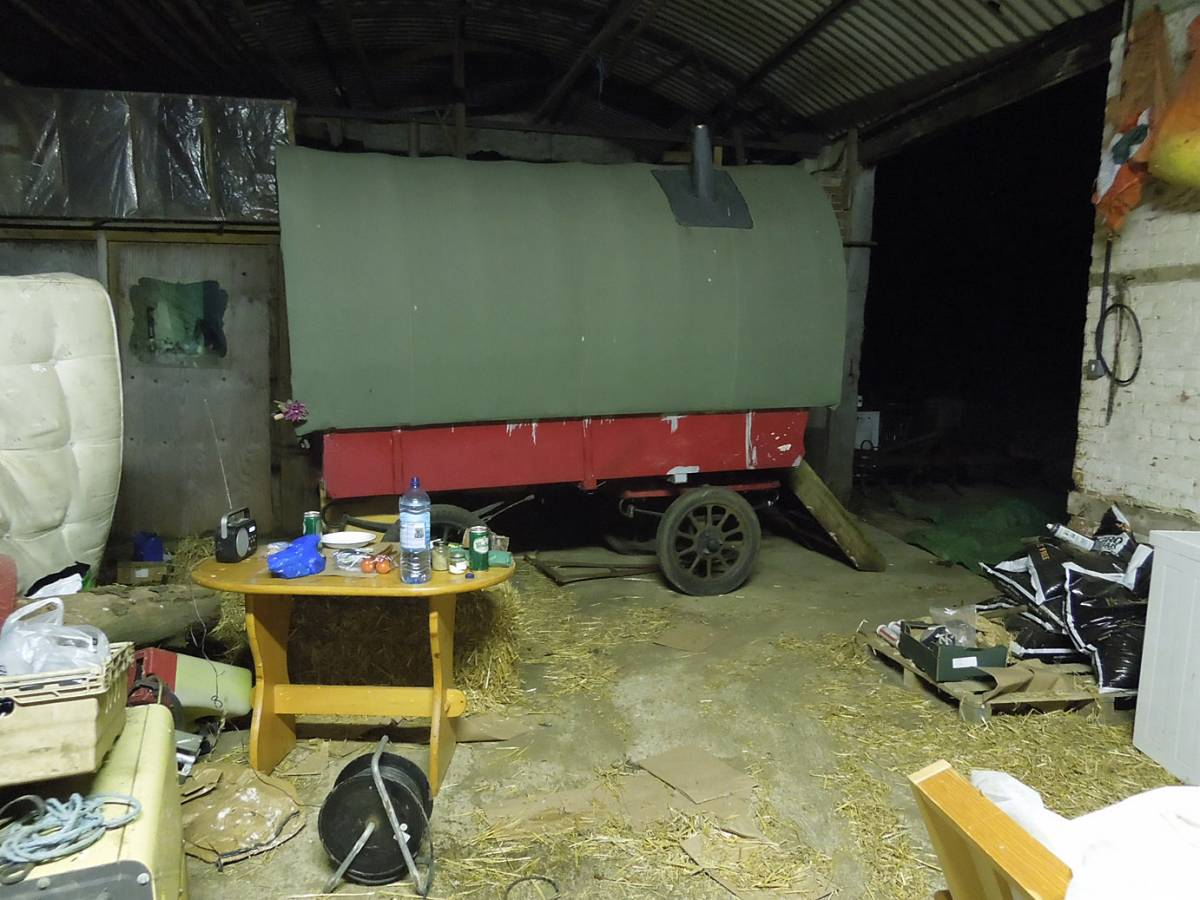 first night &rsquo;camp&rsquo; - Westmill Farm, Oxon - 10:22pm&nbsp;23<sup>rd</sup>&nbsp;Aug.&nbsp;'12