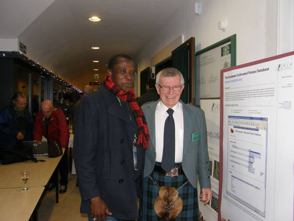 LLD forum 2012, Strathpeffer, a Scot and Senegalese delegate - 8:39pm&nbsp;9<sup>th</sup>&nbsp;Mar.&nbsp;'12