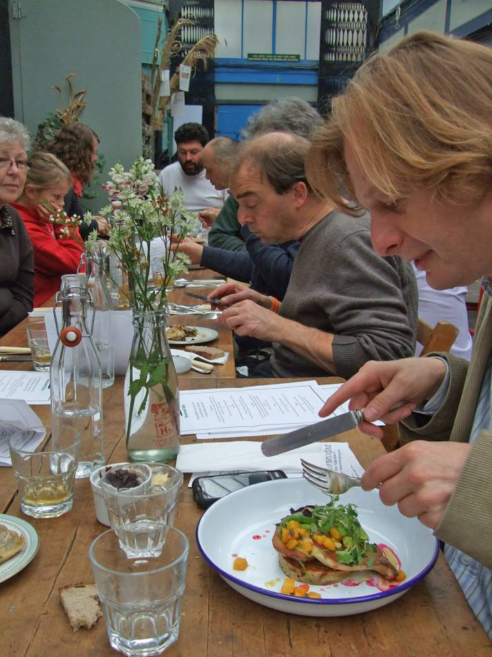 delectable BBA harvest lunch 16/10/11at <a href='http://brixtoncornercopia.ning.com/' target=_blank>Brixton Cornercopia</a>