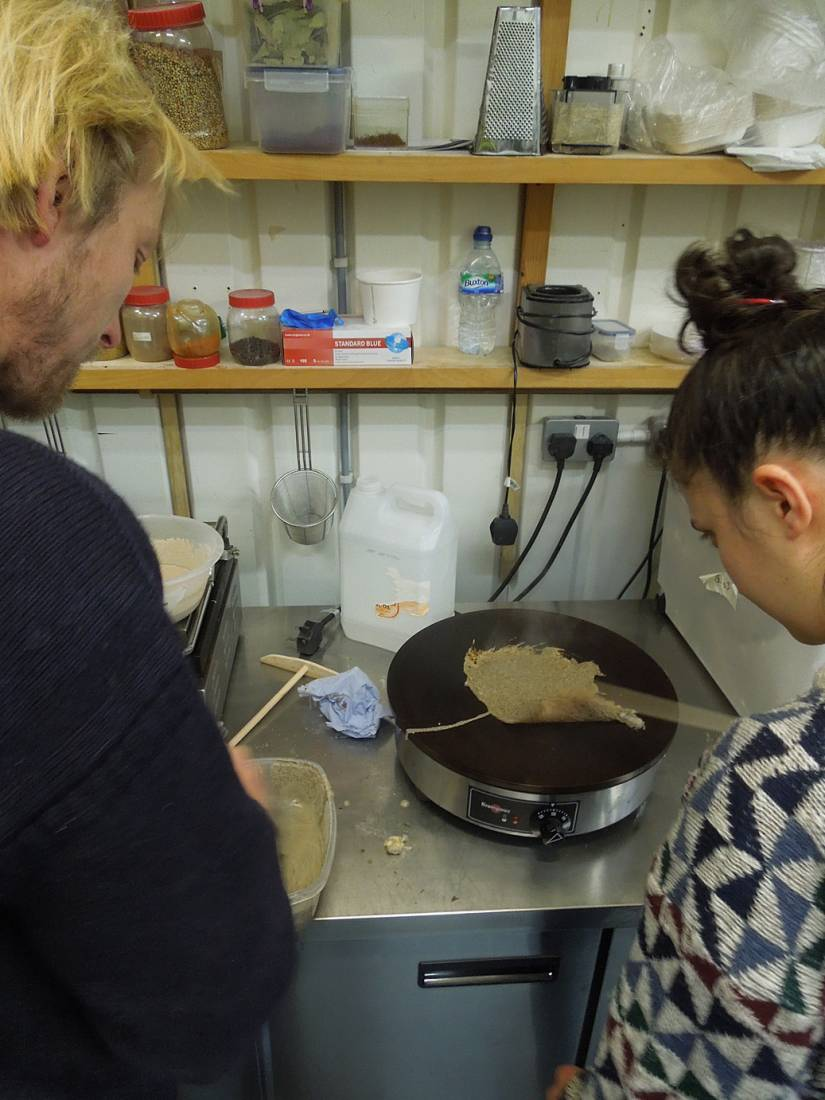 buckwheat pancake testing at E5 with Ben - 6:46pm&nbsp;31<sup>st</sup>&nbsp;Mar.&nbsp;'15