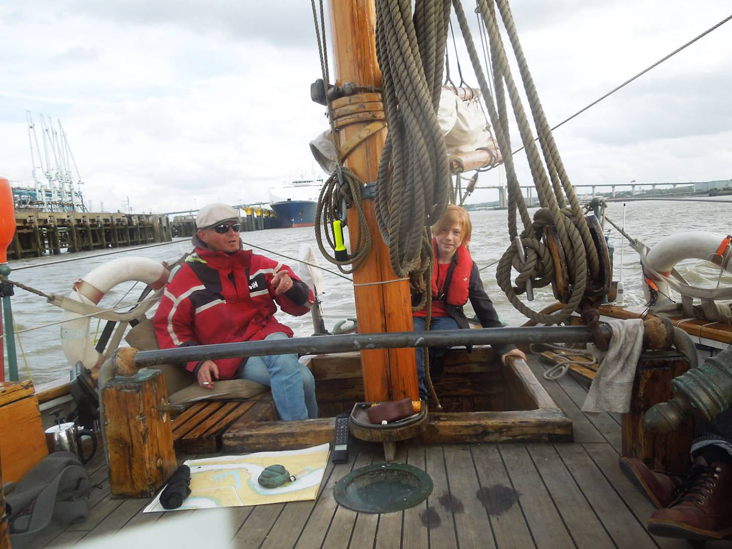 on Gravesend to Port of London leg of <a href='http://https://www.facebook.com/theseedjourney/' target='_blank'>Seed Journey</a> adventure aboard the <a href='http://www.classicboat.co.uk/articles/christiana-from-shipwreck-to-sailing/' target='_blank'>Christiana RS10</a> 1895 Norwegian Colin Archer rescue boat - on course for the Port of London - 4:52pm&nbsp;29<sup>th</sup>&nbsp;Sep.&nbsp;'16