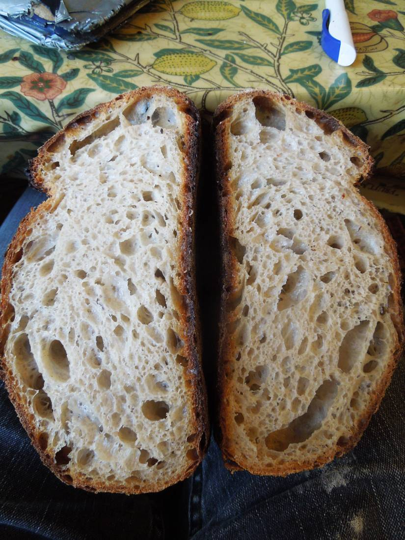 <a href='http://lbpedlar.com/' target='_blank'>LBP</a> white sourdough - 2:59pm&nbsp;14<sup>th</sup>&nbsp;Dec.&nbsp;'16