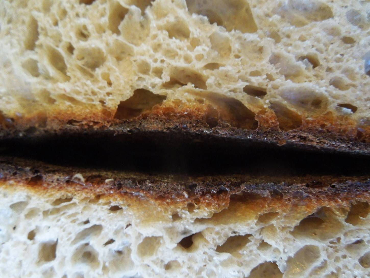 <a href='http://lbpedlar.com/' target='_blank'>LBP</a> white sourdough - 3:00pm&nbsp;14<sup>th</sup>&nbsp;Dec.&nbsp;'16