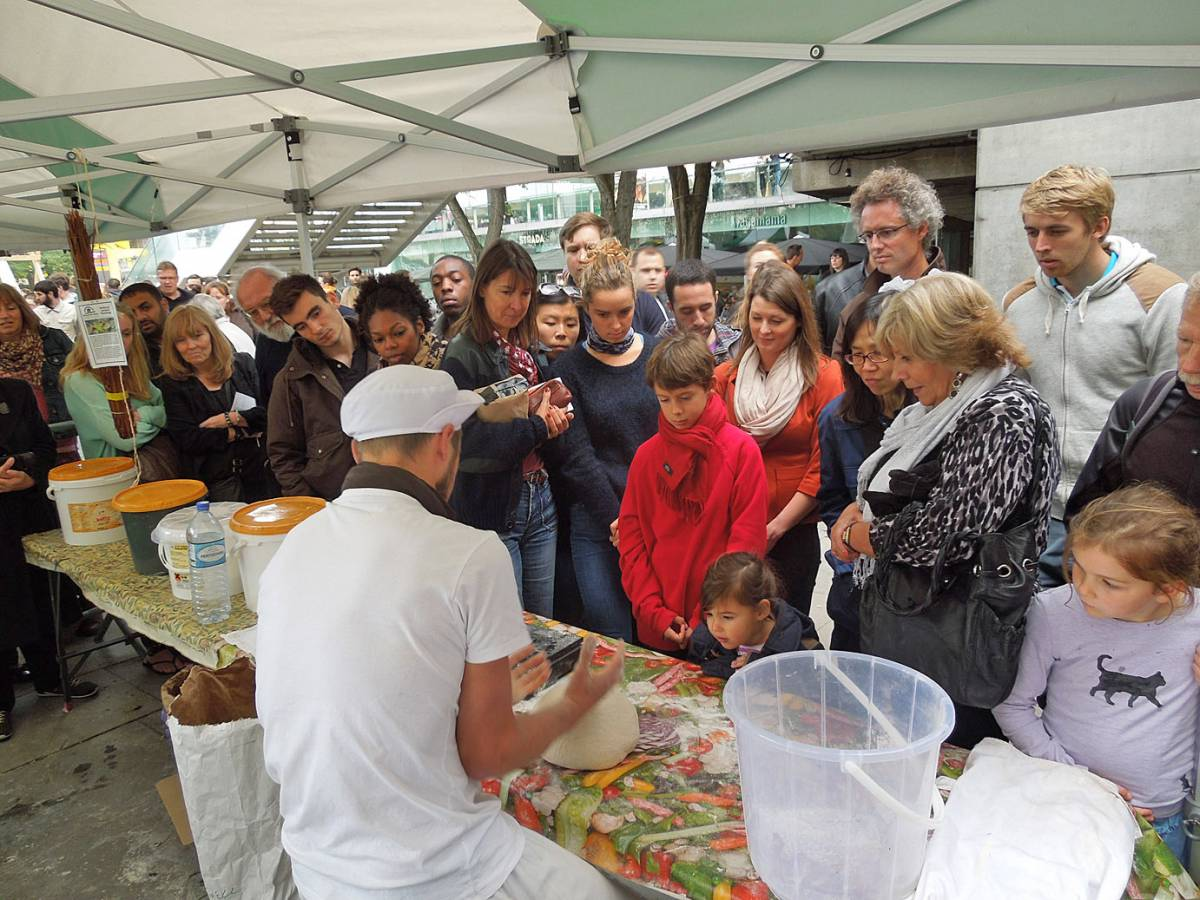 baguette lessons with Vincent - first Real Bread Fest - 1:49pm&nbsp;7<sup>th</sup>&nbsp;Oct.&nbsp;'12