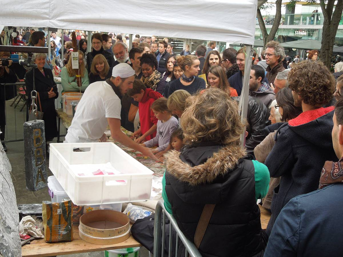 baguette lessons with Vincent - first Real Bread Fest - 1:56pm&nbsp;7<sup>th</sup>&nbsp;Oct.&nbsp;'12
