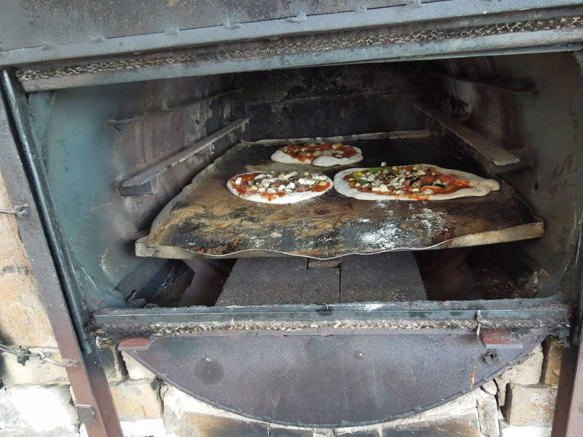 pizza day - first Real Bread Fest - 5:17pm&nbsp;6<sup>th</sup>&nbsp;Oct.&nbsp;'12