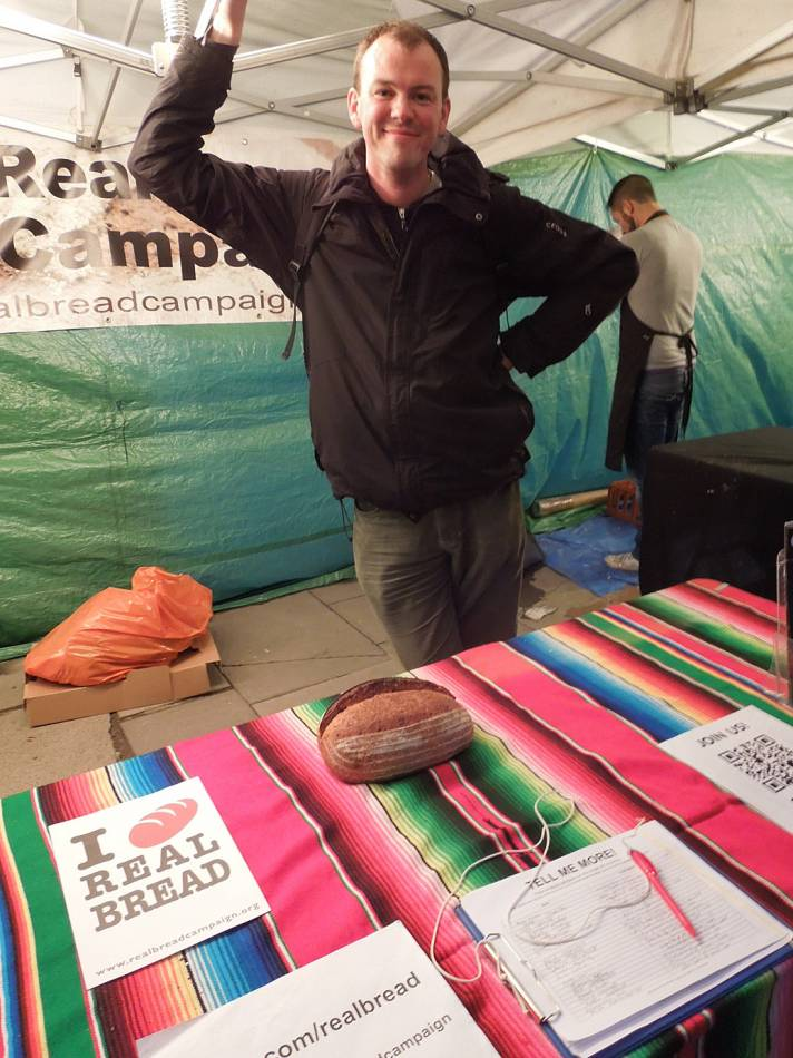 Chris Young of the Real Bread campaign with winning London Loaf from Fergus at the <a href=&rsquo;http://www.brickhousebread.com/&rsquo; targt=_blank>Brick House bakery</a> first Real Bread Fest - 6:52pm&nbsp;6<sup>th</sup>&nbsp;Oct.&nbsp;'12