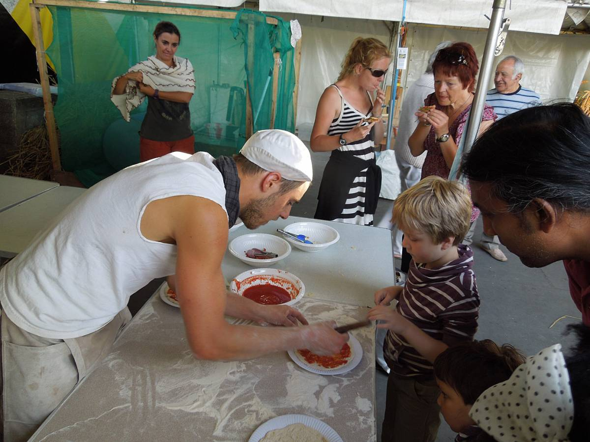 Brockwell Bake at SouthBanquet 13 - day 1 - kids pizza making with Vincent Talleu - 4:26pm&nbsp;30<sup>th</sup>&nbsp;Aug.&nbsp;'13