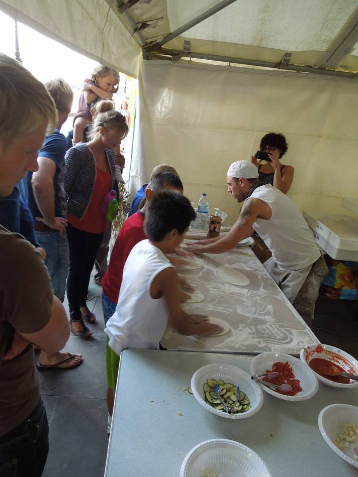 Brockwell Bake at SouthBanquet 13 - day 1 - kids pizza making with Vincent Talleu - 4:44pm&nbsp;30<sup>th</sup>&nbsp;Aug.&nbsp;'13