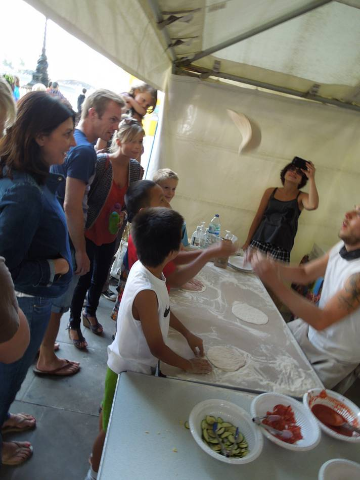 Brockwell Bake at SouthBanquet 13 - day 1 - pizza tossing with Vincent Talleu - 4:45pm&nbsp;30<sup>th</sup>&nbsp;Aug.&nbsp;'13
