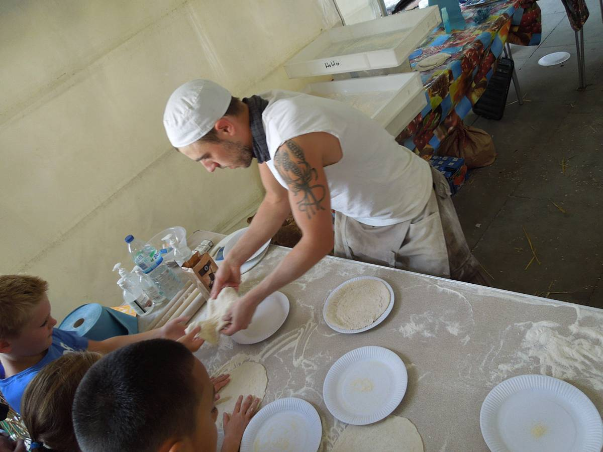 Brockwell Bake at SouthBanquet 13 - day 1 - pizza making with Vincent Talleu - 4:47pm&nbsp;30<sup>th</sup>&nbsp;Aug.&nbsp;'13