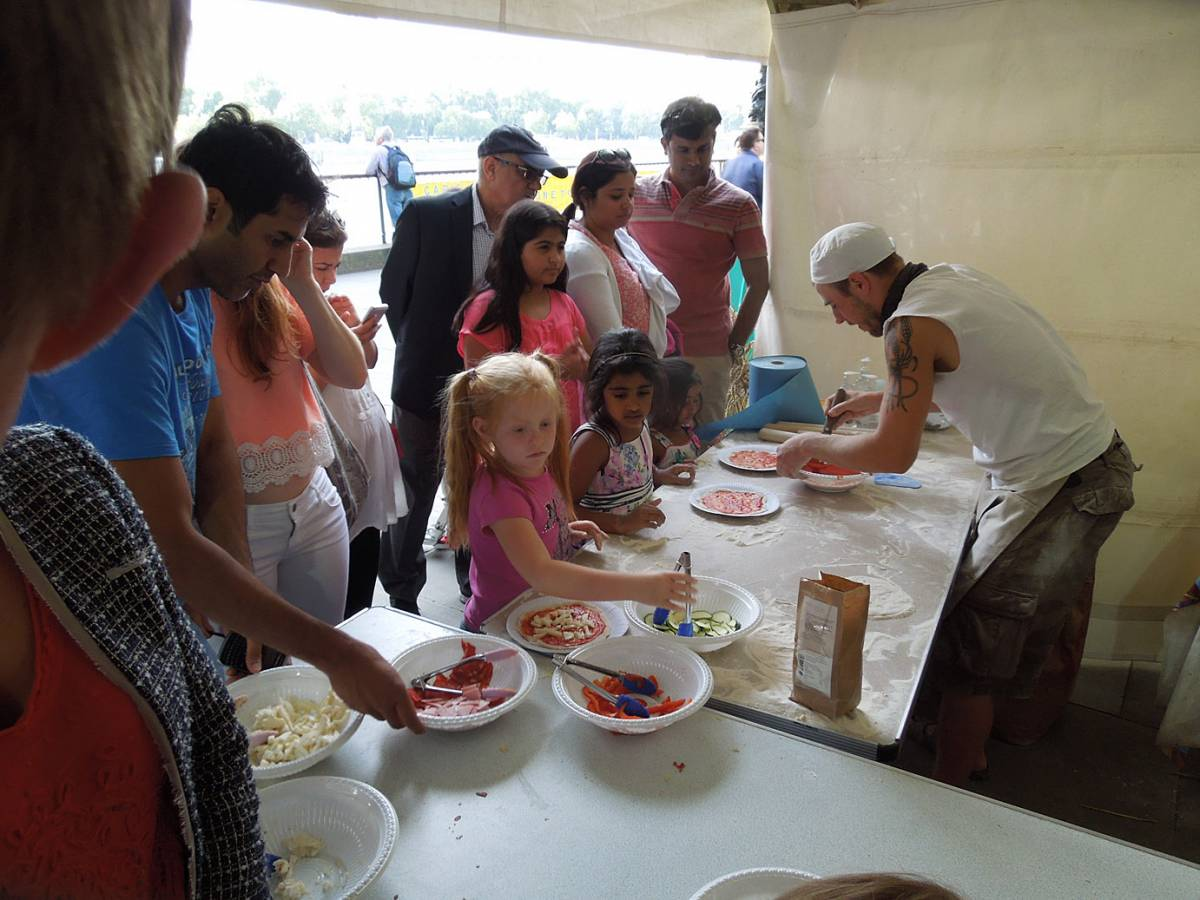 Brockwell Bake at SouthBanquet 13 - day 1 - pizza making with Vincent Talleu - 5:03pm&nbsp;30<sup>th</sup>&nbsp;Aug.&nbsp;'13