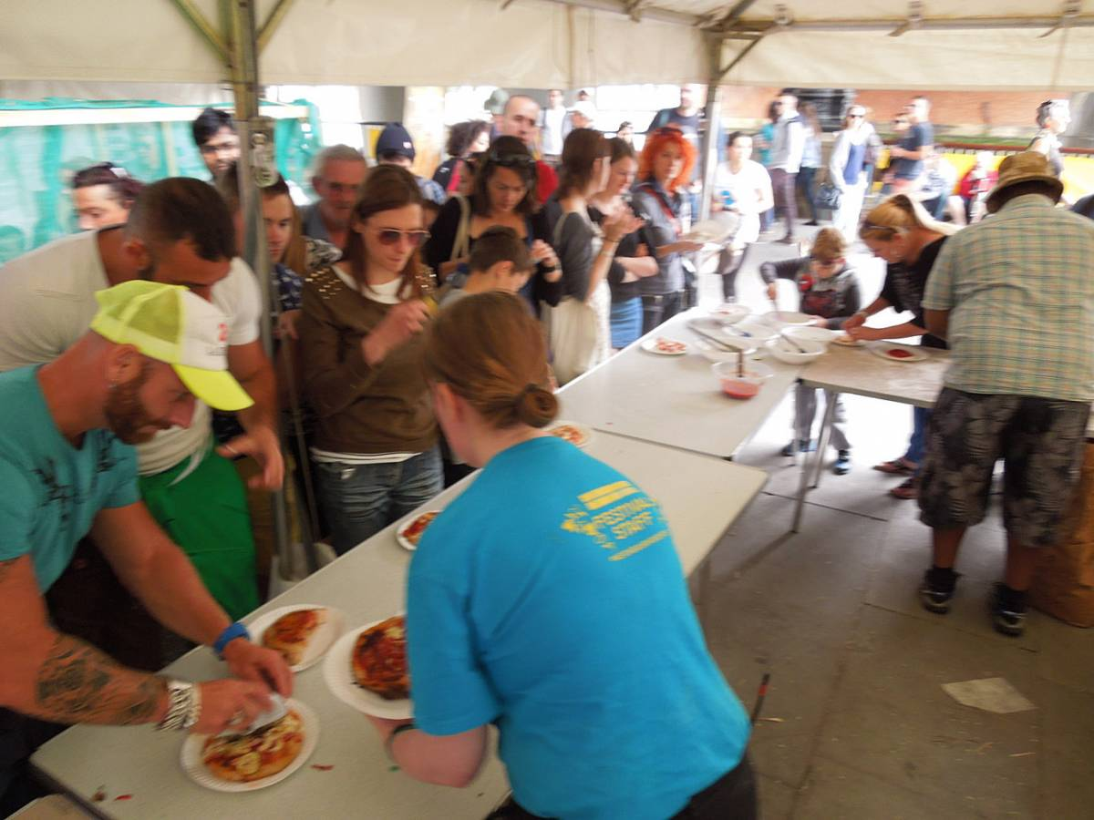 Brockwell Bake at SouthBanquet 13 - day 2 - free pizzas session - 2:05pm&nbsp;31<sup>st</sup>&nbsp;Aug.&nbsp;'13