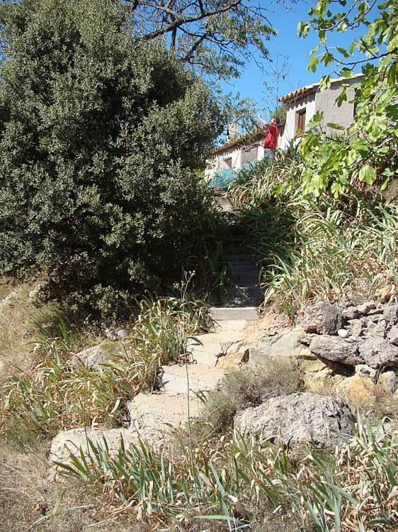 the 'Elkin' steps from oven terrace to caseta