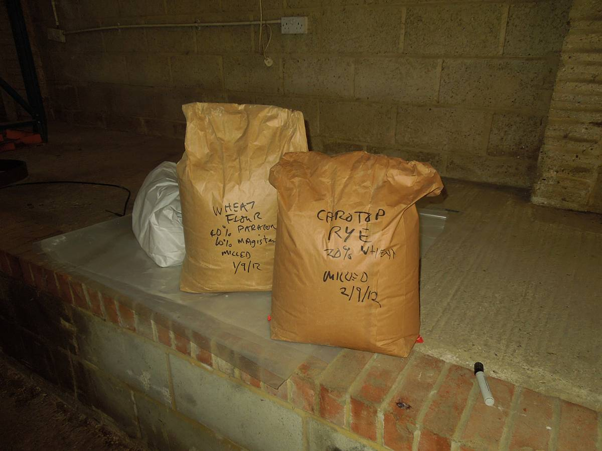 the first sacks of flour - 1:08pm&nbsp;2<sup>nd</sup>&nbsp;Sep.&nbsp;'12