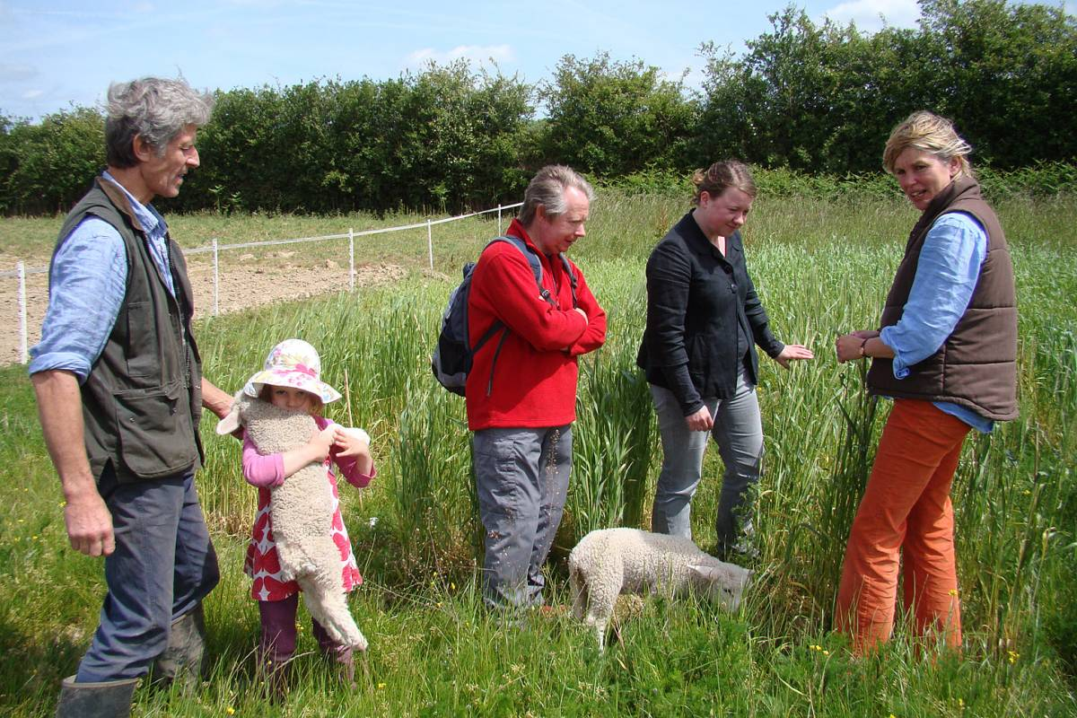 Michael Duveen and daughter Amy with her lamb and Phil, Jane and Jayne Duveen, crop review Hophurst Farm, 24/5/11