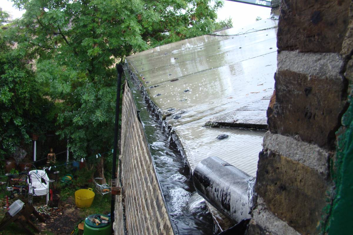 our first rain in London since March, 26/5/11