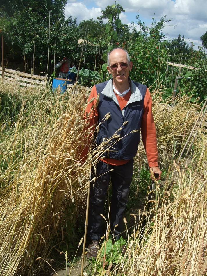 visit of Mike Ambrose, national small cereal curator from the John Innes Centre, 22/7/11 BBA harvest 2011