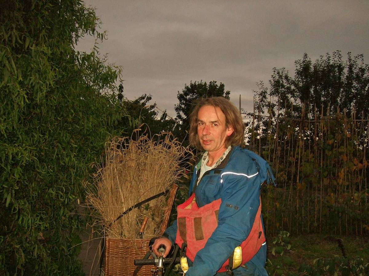 last harvest of 2011 - Brixton Windmill Allotments with Annick Alet 20/9/11