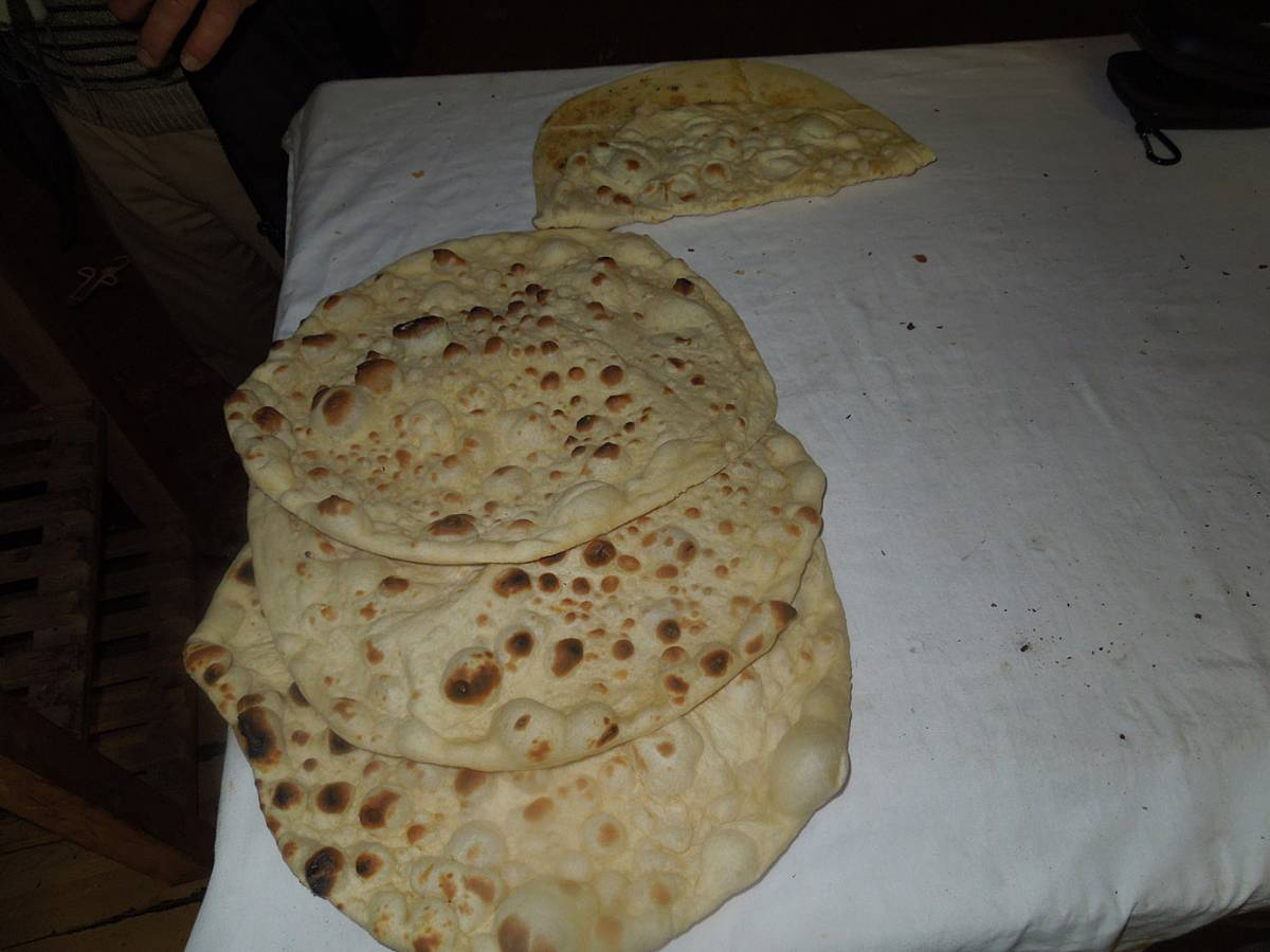 Kurdish naan bread (and spit roasted chicken) at East Street market, Walworth Road - 6:18pm&nbsp;3<sup>rd</sup>&nbsp;Nov.&nbsp;'12
