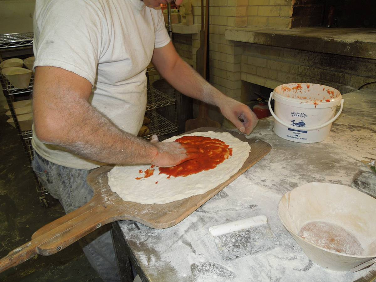 baker does the staff pizza - Brockwell Bake at Bread Bread #3 - 9:54pm&nbsp;16<sup>th</sup>&nbsp;Nov.&nbsp;'12