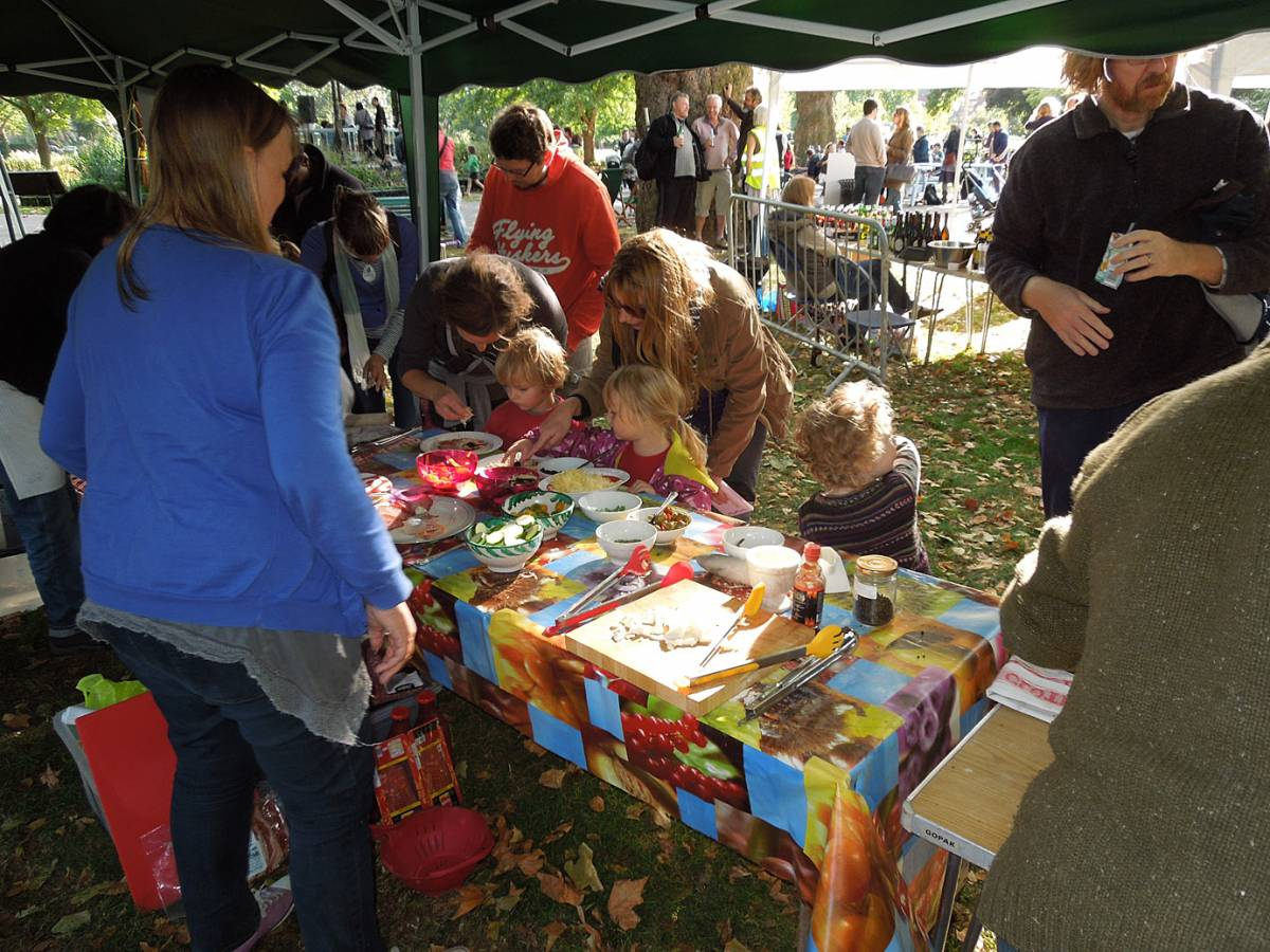 Myatts Field Park harvest day pizzas - 3:41pm&nbsp;22<sup>nd</sup>&nbsp;Sep.&nbsp;'12
